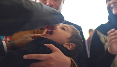 تدشين حملة التطعيم ضد شلل الأطفال في عدد من المحافظات