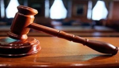 بعد 18 عام من التقاضي.. شقيقان يشعلان النار بجسديهما أمام المحكمة بإب