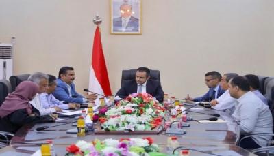 رئيس الوزراء يوجه بسرعة انجاز مشروع محطة كهرباء عدن