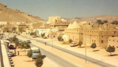 حضرموت: القبض على عصابة متهمة بسرقة محال تجارية بمدينة القطن