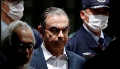 """مدير نيسان السابق """"كارلوس غصن"""" يفر من اليابان إلى لبنان"""