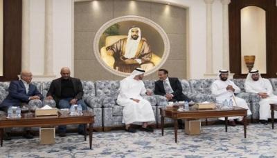 """قيادي مؤتمري: وعود إماراتية بإعادة عائلة """"صالح"""" للحكم وطارق يقاتل الحوثي كثأر شخصي"""
