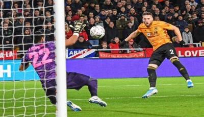 مانشستر يونايتد وولفرهامبتون يؤجلان الحسم بعد تعادل سلبي