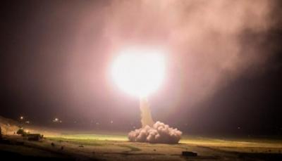 """البتاغون يؤكد: 12 صاروخاً استهدفت قوات أمريكية وإيران تتوعد برد """"أكثر عنفاً وسحقاً"""""""