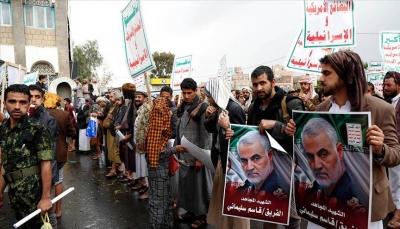 الحكومة تتهم إيران بدفع الحوثيين نحو التصعيد لتصفية حساباتها مع السعودية
