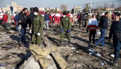 شاهد - فيديو جديد يظهر إصابة الطائرة الأوكرانية بصاروخين إيرانيين