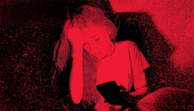كيف تتعرض الفتيات للابتزاز الجنسي عبر كاميرات الإنترنت؟
