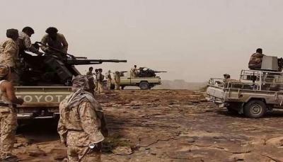 """الجيش يشن هجوما واسعا على مواقع الحوثيين في جبهة """"نهم"""" ومقتل قيادي ميداني"""