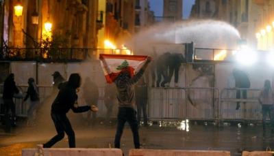 """لبنان: عشرات الإصابات بين المتظاهرين و""""تيار المستقبل"""" ينفي وقوفه خلف الاحتجاجات"""