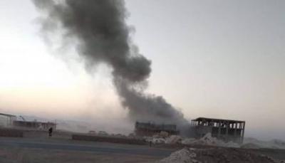 سقوط صاروخ باليستي أطلقته مليشيا الحوثي على حي سكني في مأرب