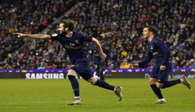 ريال مدريد يقبل هدية فالنسيا وينفرد بصدارة الليجا