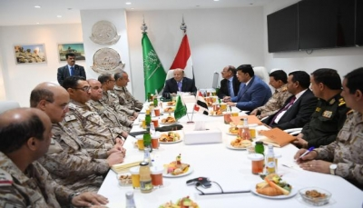 الرئيس هادي يترأس اجتماعاً عسكرياً لقيادة القوات المشتركة