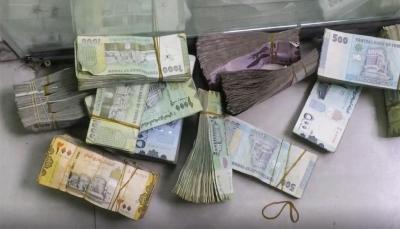 """خبير اقتصادي: إستقرار الدولار في مناطق سيطرة ميلشيات الحوثي """"شكْلي"""""""