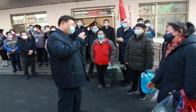 """الرئيس الصيني يظهر للعلن للمرة الأولى بعد موجة غضب لوفاة مكتشفه """"كورونا"""""""