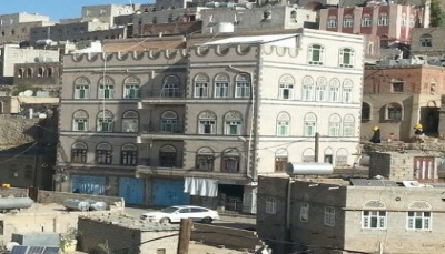 الحوثيون يستولون على منزل قائد عسكري في الجيش الوطني