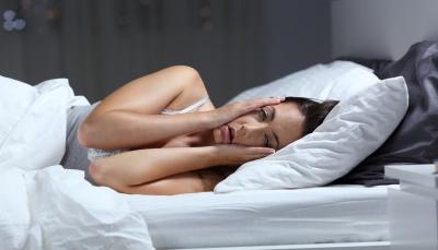 خمس طرق تساعد على النوم بعمق أثناء الليل