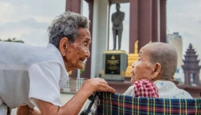 شقيقتان في سن المئة تلتقيان بعد فراق حوالي نصف قرن