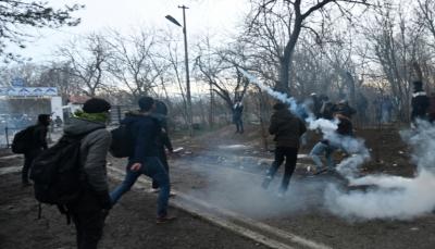 رغم القمع.. آلاف المهاجرين ينتظرون عن الدخول أوروبا بعد السماح لهم بالعبور من تركيا