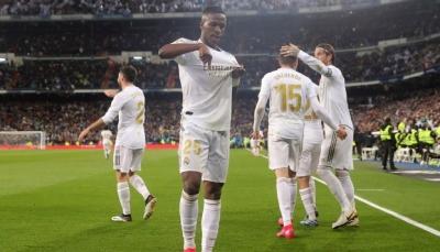 """""""فينيسيوس"""" يقتنص جائزة خاصة من ريال مدريد"""