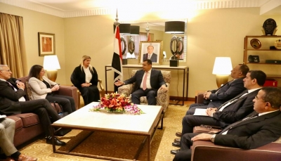 بريطانيا تؤكد دعمها وحدة اليمن وتحسين الوضع الإنساني والاقتصادي