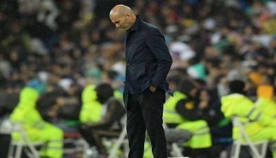 بعد الهزيمة من بيتيس.. زيدان يتلقى أنباء مزعجة عن اثنين من لاعبية
