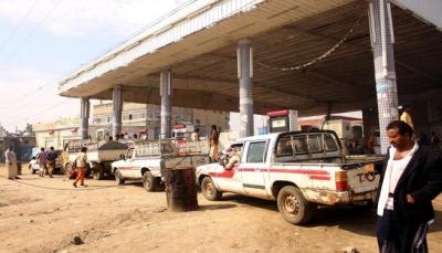 وسط انتقادات للتحالف.. أزمة الوقود تهدد الكهرباء الحكومية في المناطق المحررة