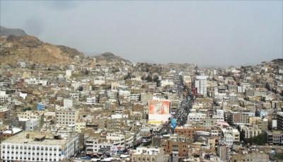 الحوثيون يحتجزون المسافرين ويغلقون الطرق المؤدية إلى تعز