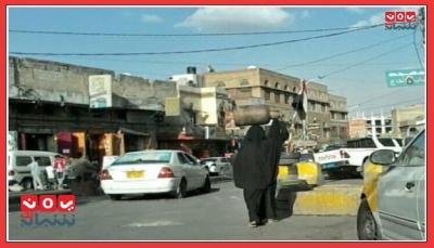 الأمهات في اليمن بيوم عيدهن.. كفاح من أجل العيش وحزن على أبنائهن الذين قضوا بالحرب (تقرير خاص)