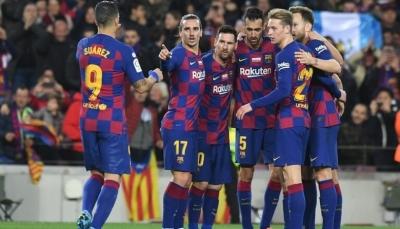 لاعبو برشلونة يرفضون اقتراح تخفيض رواتبهم