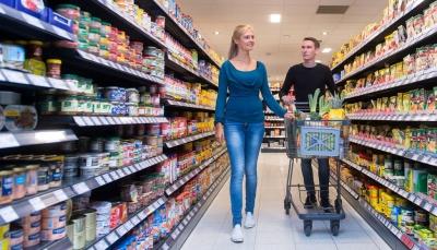 """كيف تحمي نفسك من """"كورونا"""" أثناء شراء المواد الغذائية؟"""