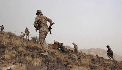 """صعدة: الجيش يحرر تبة السفينة بـ""""الصفراء"""" ومقتل عدد من القناصة الحوثيين"""