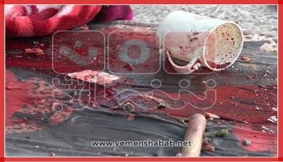 """ست قُتلنّ و ثمان أصبنّ.. """"يمن شباب نت"""" ينشر صورا خاصة لآثار جريمة قصف السجن المركزي بتعز من قبل الحوثيين"""