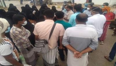 """موظفو مستشفى """"الشحر"""" يطالبون بنقل المُصاب بكورونا إلى الحجر الصحي بالمكلا"""