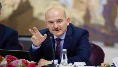 وزير الداخلية التركي يقدم استقالته ويعلن تحمله مسؤولية تبعات حظر التجول