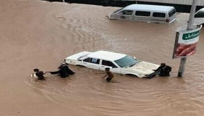 مستشار رئاسي: كانت عدن تتعرض لكوارث ويخففها وجود الدولة الآن غابت واختل النظام
