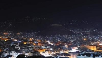 """3 جرحى بقصف حوثي على الأحياء السكنية غربي مدينة """"تعز"""""""