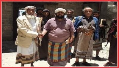 """القصة الكاملة التي فجرت الغضب في """"البيضاء"""".. هل تندلع مواجهات بين القبائل والحوثيين؟"""