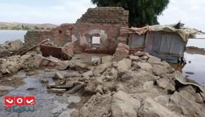 """ذمار: السيول تهدم أربعة منازل وتجرف محاصيل زراعية بمديرية """"جهران"""" (صور)"""