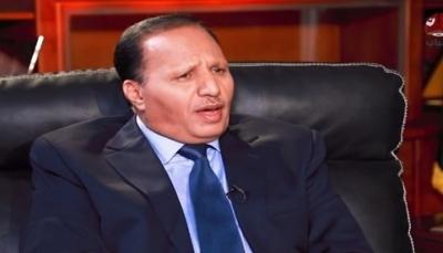 """سخر من  صحيفة """"عكاظ"""".. جباري: لا يهمنا """"الحمدين"""" ولا """"المحمدين"""" ولا أموالهم"""
