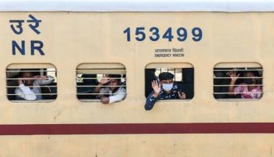 كورونا.. بريطانيا تمدد الإغلاق حتى يونيو وتكشف خطتها لرفعه والهند تعيد تشغيل القطارات