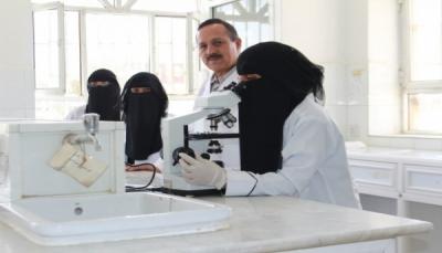 صنعاء: نقابة الأطباء اليمنيين تشكو من الإساءة للكوادر الطبية من قبل الحوثيين