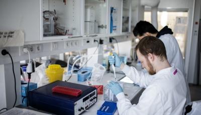 خلق حصانة لستة قرود.. نتائج مبشرة للقاح جامعة أوكسفورد ضد كورونا