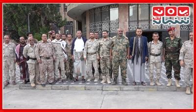 تعز.. قادة كتائب ألوية الجيش الوطني يصعدون من احتجاجاتهم لتنفيذ كافة مطالبهم