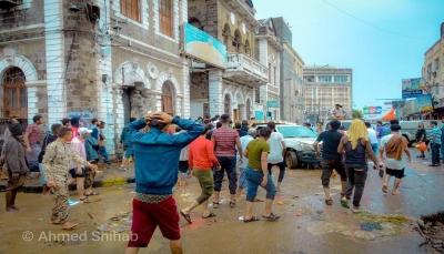 وزارة الصحة: انتشار الأوبئة والحميات في عدن بسبب اختلاط السيول بالمياة الملوثة