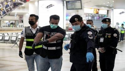 وزير الداخلية: الكويت تستبدل الحظر الشامل بآخر جزئي بنهاية مايو