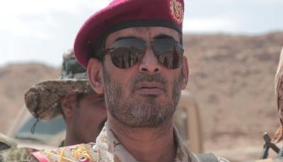 """الفريق """"بن عزيز"""" في أول تعليق له بعد مقتل نجله: الكهنوت الحوثي يقترب من النهاية"""