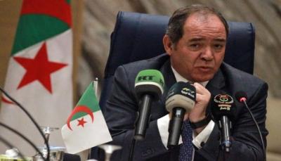 """الجزائر ترفض ضمنياً المبادرة المصرية بشأن ليبيا وتونس """"تتمسك بالشرعية"""""""