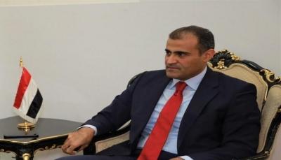 الحضرمي: احتجاز القوات الإماراتية حاويات العملة أمر مرفوض ولم نطلب التحالف من أجل هذا