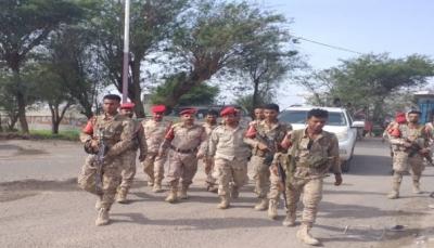 تعز: بعد التعهد بتسليم المطلوبين.. الشرطة العسكرية تسحب جزء من قواتها من مدينة التربة