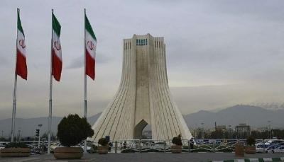 ضمن سلسلة إنفجارات غامضة.. انفجار عنيف يهز مبنى وسط العاصمة الإيرانية طهران